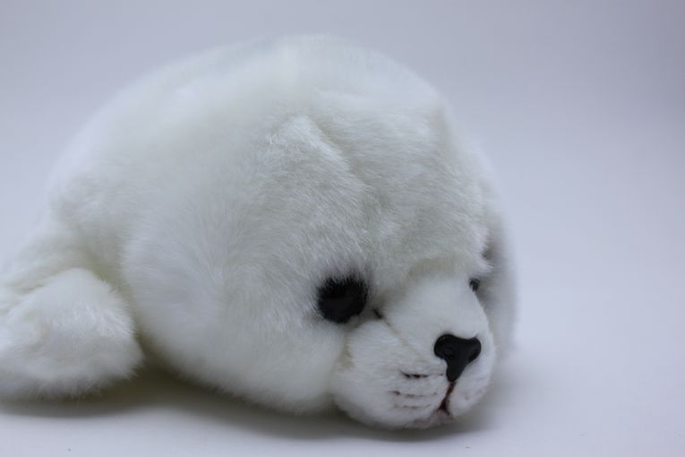 PLUSH BABY SEAL MIDDLE SIZE